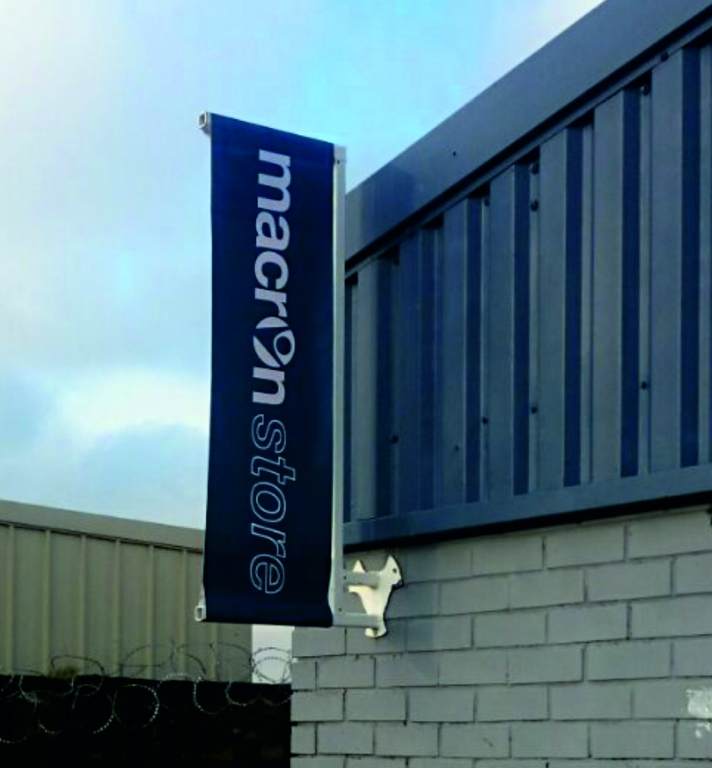protruding-banners-outdoor-adverting-posters-bury-graphics-manchester