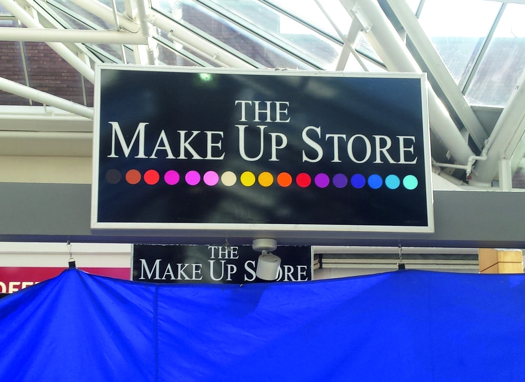 led-sign-trays-fully-lit-shop-sign-SHOP-bury-graphics